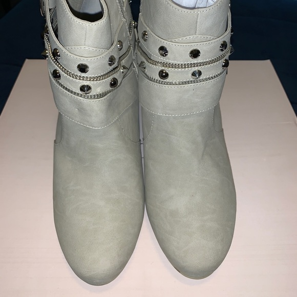 Jennifer Lopez Shoes Kohls Veronica Chalk Heeled Boot Poshmark
